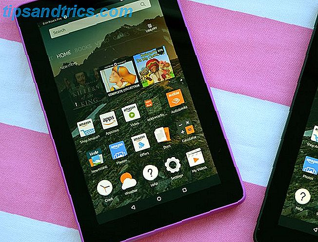 De Amazon Fire-tablet is een geweldig alternatief voor de standaard E-Ink Kindle-e-readers en biedt aantrekkelijke nieuwe functies die meer op een tablet lijken.  Door de kleine omvang en flexibiliteit is dit de beste keuze.