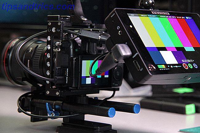 We laten u zien hoe u uw eigen doe-het-zelfcamera rig voor uw spiegelloze of DSLR-camera kunt monteren.  Zal de jouwe klein en slank zijn of een zware last?