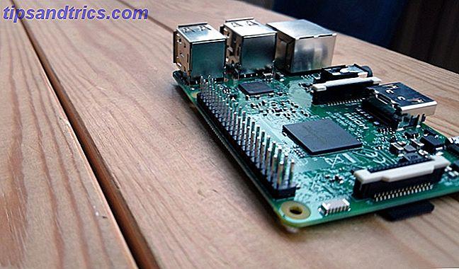 Il Raspberry Pi è un piccolo computer fantastico, ma cosa fanno esattamente i pin GPIO (General Purpose Input / Output)?  In breve, aprono un intero mondo di bricolage elettronico e invenzione fai-da-te.