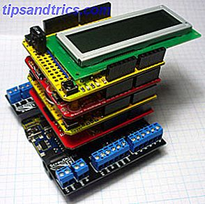 Du har kjøpt et Arduino startpakke, du har fulgt alle de grunnleggende støttelinjene, men nå har du truffet en snubler - du trenger flere biter og bobs for å realisere din elektronikkdrøm.  Heldigvis, hvis du har et Arduino bord, kan du bare stable funksjonaliteten på toppen i form av Skjold.