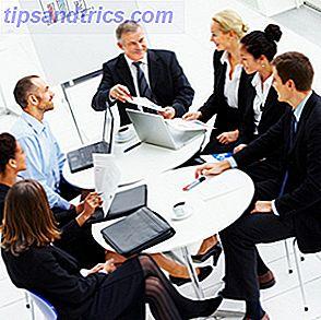Online-Tools und Ressourcen für die Organisation effektiver Treffen sind vielfältig und äußerst nützlich.  Mit Websites wie MyCommittee.com können Sie den Bedarf an Hin- und Rück-E-Mails und das Weiterleiten von Dokumenten reduzieren, um ein Meeting zusammenzustellen.