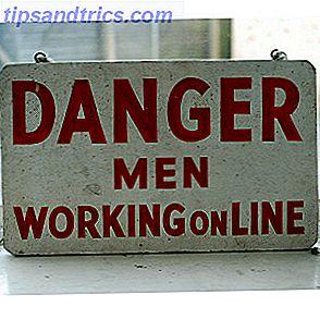 Trabajar en línea es el sueño de muchos geeks.  Puedes establecer tus propios horarios, o puedes trabajar tanto o tan poco como quieras, no tienes que viajar y no tienes que lidiar con molestos compañeros de trabajo.