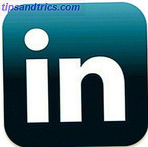 Vous avez certainement plus de contacts sur Facebook, mais je suis à peu près sûr que c'est le contact LinkedIn que vous mettrez avec pour obtenir cette recommandation de carrière.  C'est toujours votre meilleur CV en ligne.
