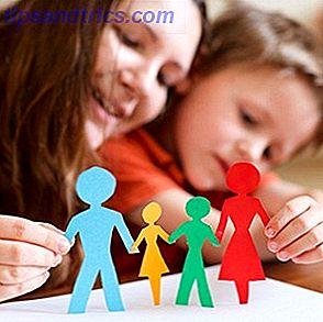 Você está tentando pensar em coisas para fazer com sua família?  Gastar centenas em brinquedos é uma idéia, mas também é passar uma tarde com seus filhos fazendo artesanato de papel divertido.