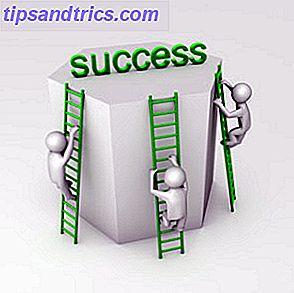 De weg naar zakelijk succes is bezaaid met mislukkingen.  Aan de andere kant is het ook geplaveid met succes omdat mensen zoals jij en ik het waagden te wagen en het ondanks de obstakels te doen.