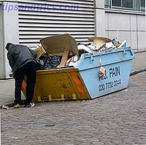 Dumpster-duiken is stedelijk spoelen op zoek naar items die kunnen worden gerecycled tot iets nuttigs of in contanten kunnen worden omgezet.  Bovendien, zoals de Wikipedia-pagina over dumpster-duiken je vertelt, heeft het doorzoeken van je prullenbak in de buurt toepassingen voor studenten, kunstenaars en zelfs wetenschappers.