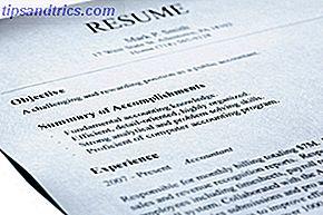 Of je net afgestudeerd bent, terug naar school gaat of op zoek bent naar een nieuwe baan, binnen of buiten je carrière, je hebt een cv nodig.  Maar niet alleen een CV.