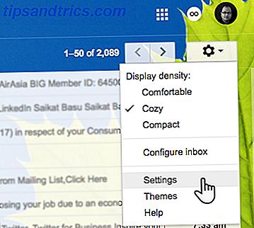 È sicuro presumere che tu abbia più account Gmail.  Sapevi che puoi collegarli facilmente in modo da poter ricevere e inviare email da un account Gmail principale?