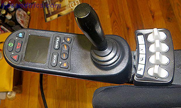 Essere su una sedia a rotelle significa essenzialmente perdere l'indipendenza.  iPortal aiuta a ripristinare parte di questa indipendenza attraverso l'uso di computer e smartphone.