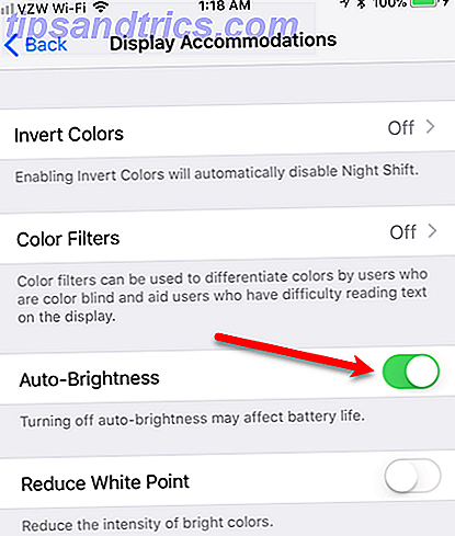 Wir haben darauf gewartet, dass Apple den Dark-Modus seit Jahren dem iOS hinzufügt, aber es fehlt immer noch.  Hier sind einige weitere Tipps und Tricks zur Verwendung von iOS nach Einbruch der Dunkelheit.
