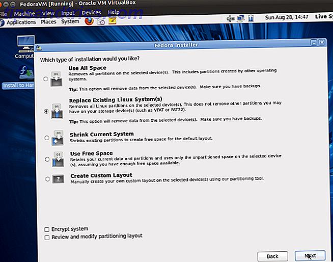 Wenn Sie ein zweites Betriebssystem auf Ihrem Linux-Rechner ausführen möchten, ohne neu zu starten, um zwischen ihnen zu wechseln, ist eine virtuelle Maschine die einzige Antwort.