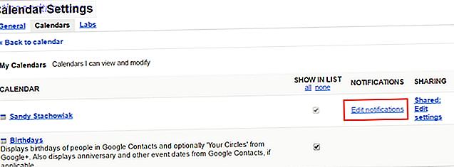 As notificações do Google Agenda só podem ajudá-lo a lembrar de um evento se você observar.  Quer esteja no seu computador ou telemóvel, mostramos-lhe como ajustar os lembretes do calendário e as predefinições.