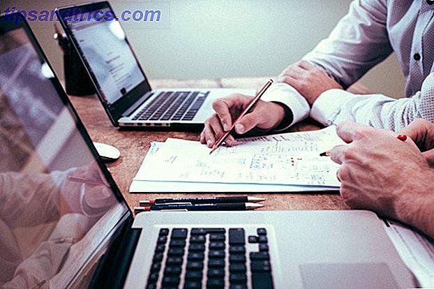 Skabeloner er tidsbesparende, som du kan bruge til hurtigt at udvikle dit dokument.  Få en start på din produktivitet ved at indse, at hvert produktivitetsværktøj giver dig mulighed for at lave dine egne skabeloner.