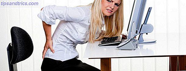 Des exercices d'étirement simples peuvent corriger l'arrière de l'ordinateur et le cou de texte.  Passez cinq minutes sur ces vidéos et quelques autres sur les exercices pour inverser les dommages causés par assis à votre bureau.