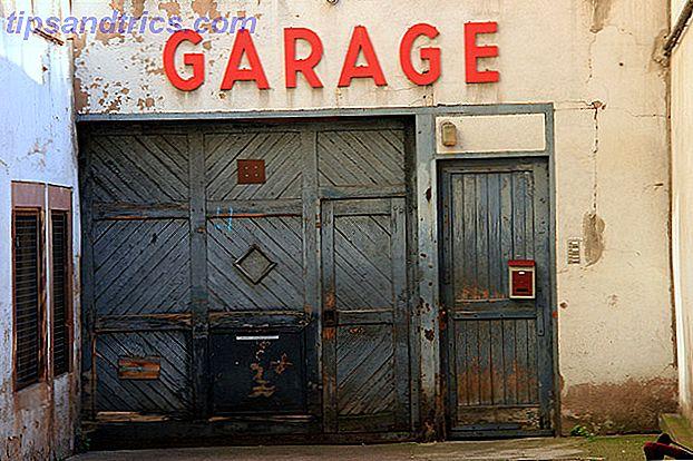 Les garages sont super, les portes de garage sont frustrantes.  Les ouvre-portes de garage intelligents peuvent aider.