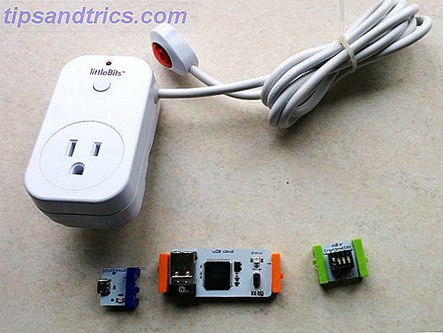 LittleBits Smart Home Kit gör mer än bara snyggt.  Det är en fullt fungerande DIY smart hemlösning.  Vi kan enkelt använda satsen med en fjärraktiverad ljusbrytare.