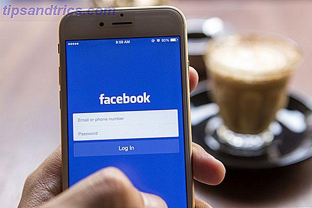 Ich wartete, wartete noch etwas und erkannte dann, dass Facebook sich nicht öffnete.  Keine große Sache.  Ich habe versucht, die Seite mit meinem Macbook zu öffnen.  Wieder nichts.  Facebook war eigentlich DOWN.