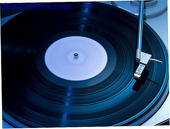 Vinyl está regresando y ahora es un buen momento para sumergirse en la cultura.  ¿Estás buscando comenzar con una plataforma giratoria propia?  Esto es lo que necesita saber.