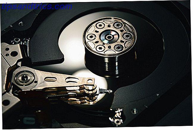 I dischi dati 5D possono presumibilmente durare per miliardi di anni e memorizzare terabyte di dati alla volta.  Sembra carino, ma quali sono gli svantaggi di questa tecnologia?