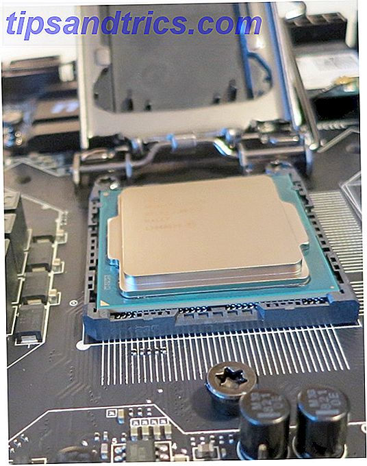 Molti dissero che era impossibile.  Anche così, ho finito di costruire un computer altamente efficiente che non utilizzava i fan.
